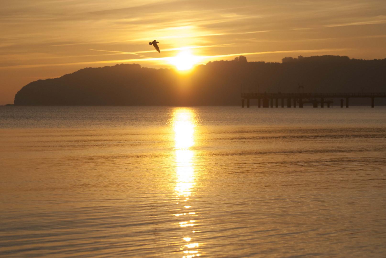 Sonnenaufgang in Binz bei der Seebrücke
