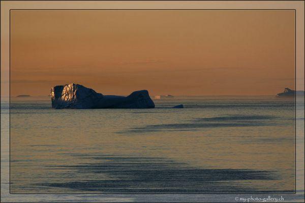 Sonnenaufgang in der Arktis