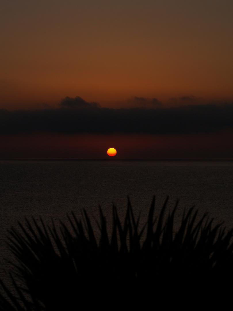 Sonnenaufgang in der Bucht von Cala Mesquida