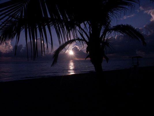 Sonnenaufgang in der Dom.-Rep. im August 2004