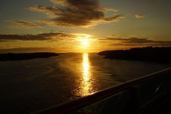 Sonnenaufgang in der Schärenlandschaft