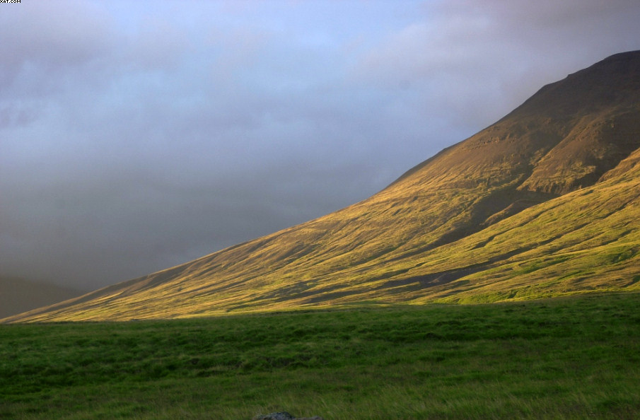 Sonnenaufgang in Island -- Sunrise in Iceland