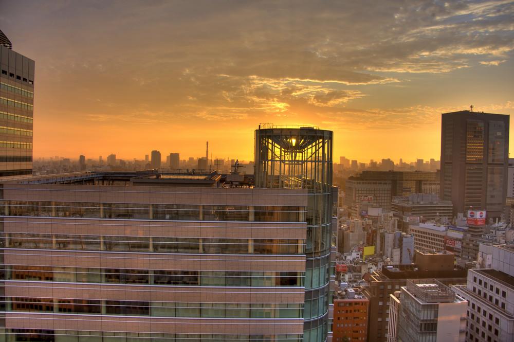 Sonnenaufgang in Tokyo
