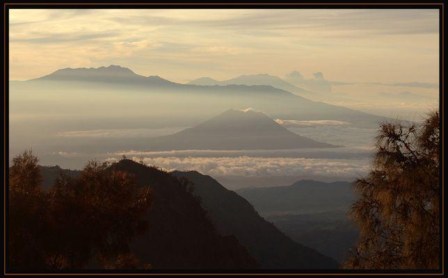 Sonnenaufgang in Zentral Java