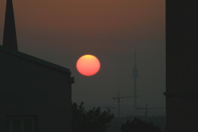 Sonnenaufgang mit Donauturm