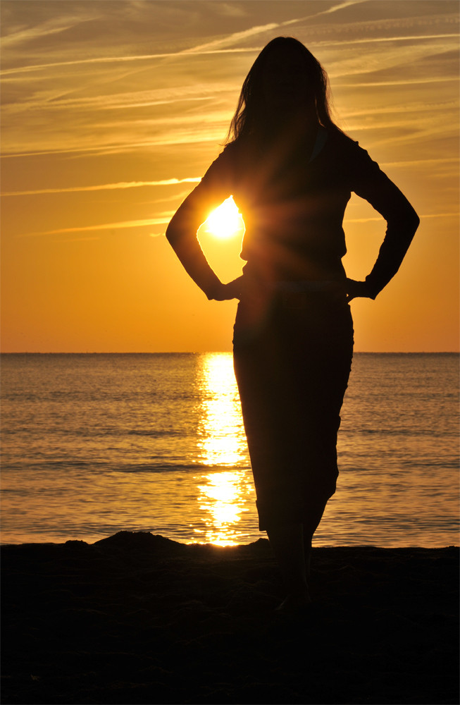 Sonnenaufgang mit Strandnixe
