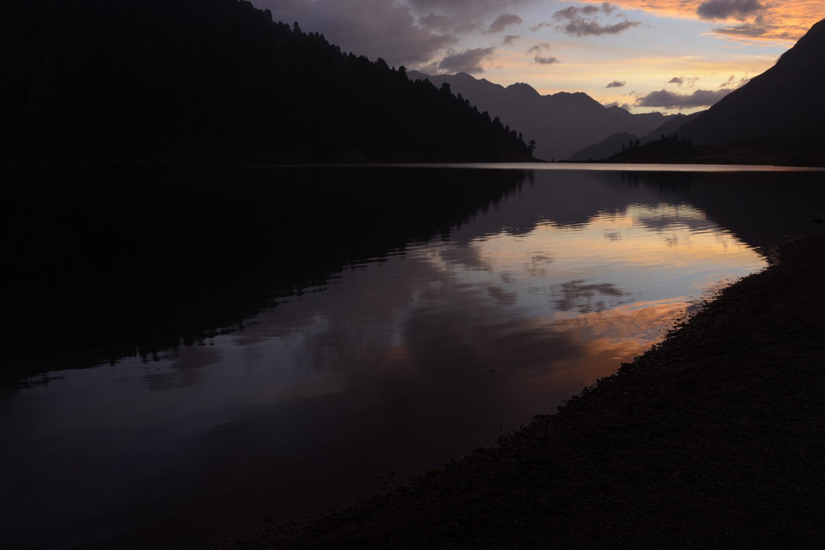 Sonnenaufgang Obersee Staller Sattel
