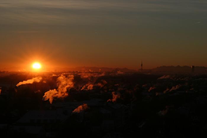 Sonnenaufgang u. Muenchen