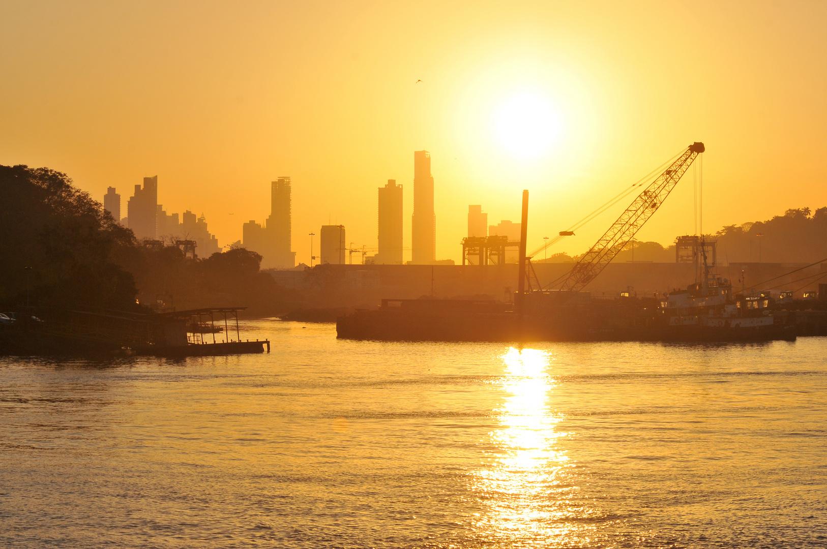 Sonnenaufgang über Balboa
