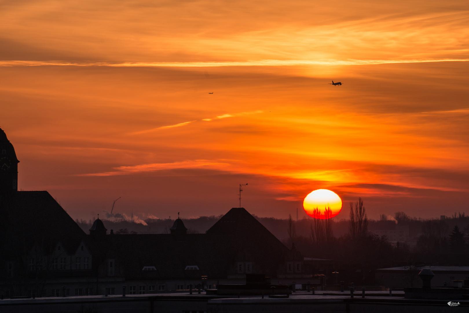 Sonnenaufgang über Berlin-Tegel