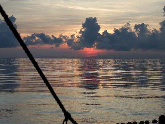 Sonnenaufgang über dem Pazifik