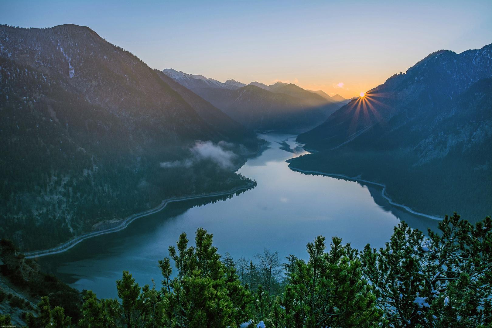 Sonnenaufgang über dem Plansee