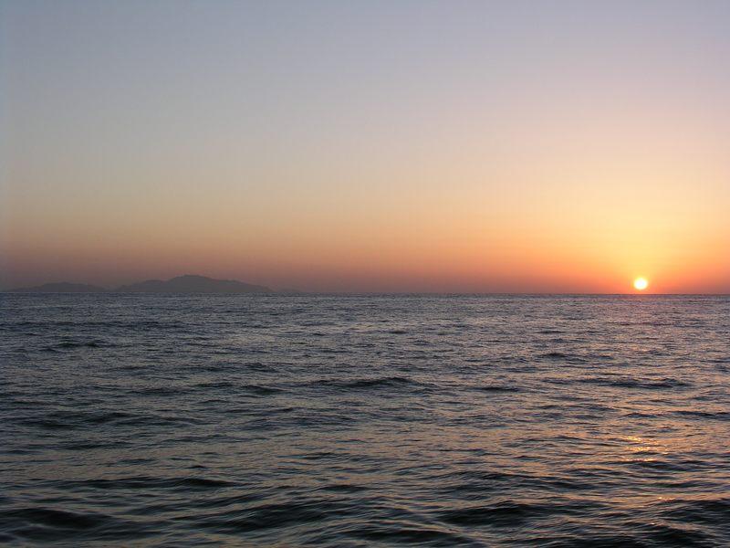 Sonnenaufgang über dem roten Meer1