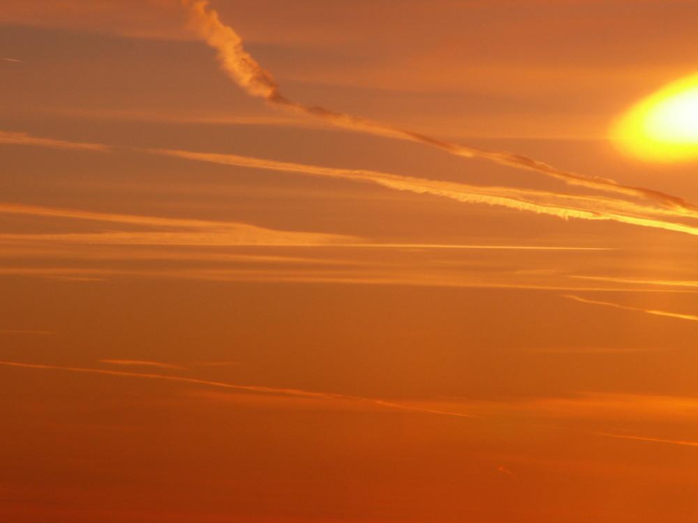 sonnenaufgang ÜBER den wolken... nr 3 kurz vor berlin :-) einmalig!