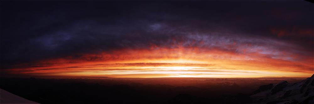 Sonnenaufgang über der Diavolezza Engadin