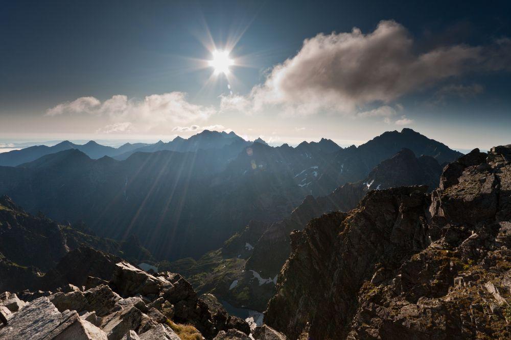Sonnenaufgang über der Hohen Tatra by Mischa L.