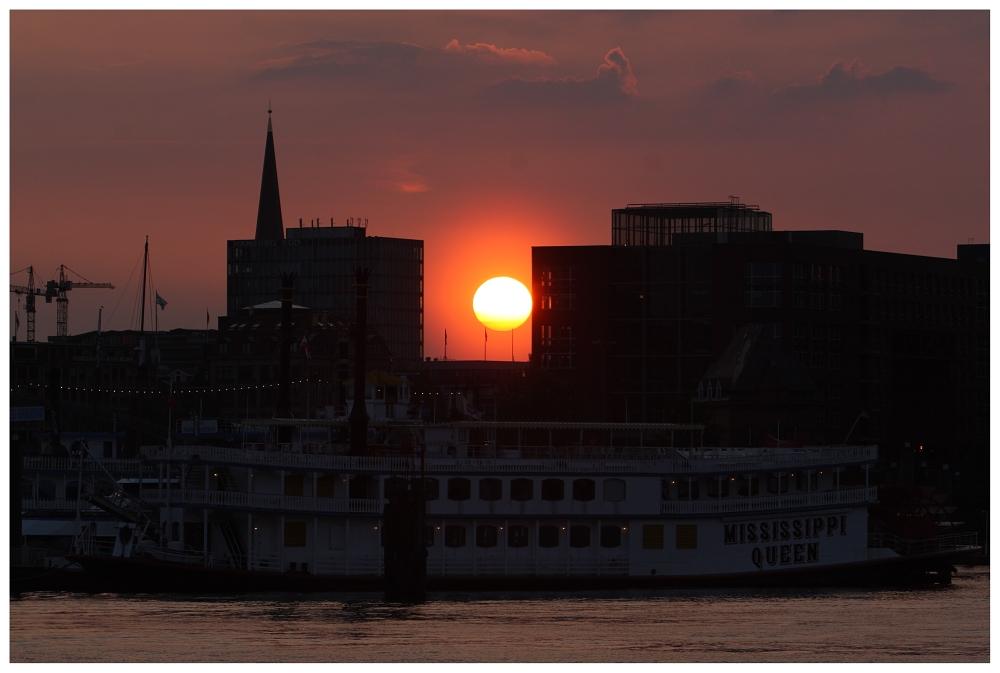 Sonnenaufgang über der Mississippi Queen