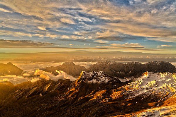 Sonnenaufgang über der Zugspitze - HDR