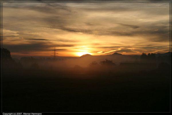 Sonnenaufgang über Großkarolinenfeld
