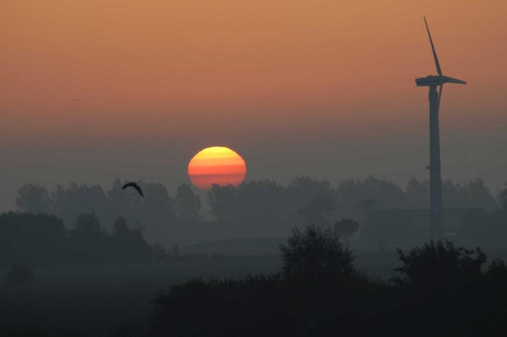 Sonnenaufgang über Hooksiel (unbearbeitet)