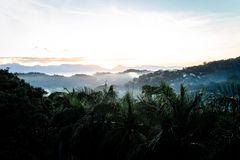 Sonnenaufgang über Kandy, Sri Lanka