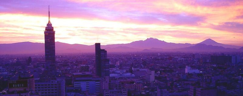 Sonnenaufgang über Mexiko-Stadt