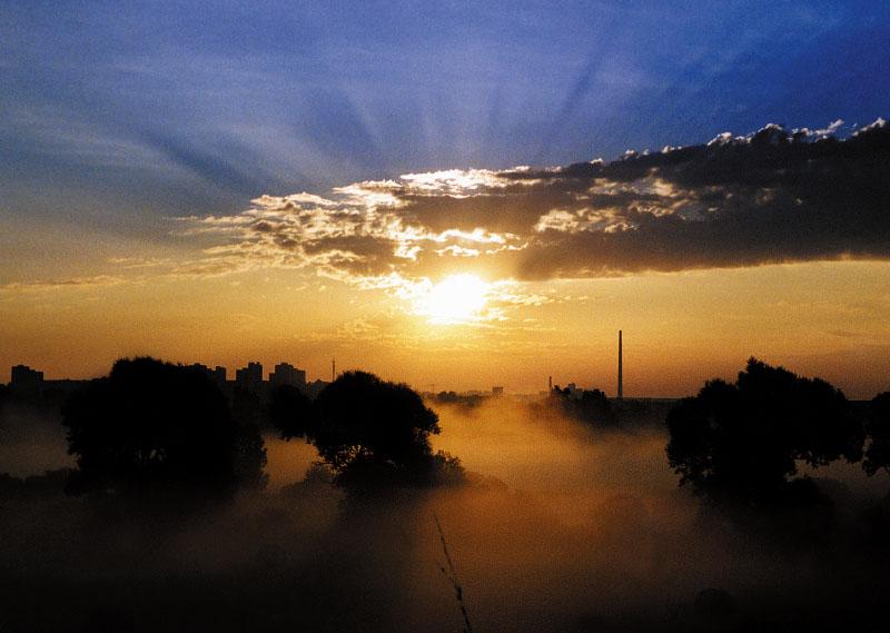 Sonnenaufgang über Neubrandenburg (Datzeberg)