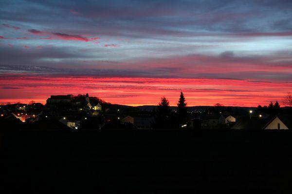 Sonnenaufgang über Parsberg, zum Dritten