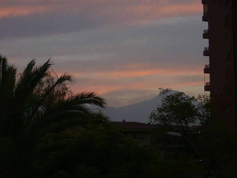 Sonnenaufgang über Santiago de Chile
