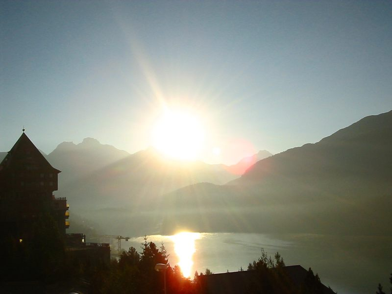 Sonnenaufgang über St. Moritz