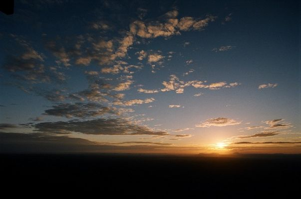 Sonnenaufgang über Tsavo Ost
