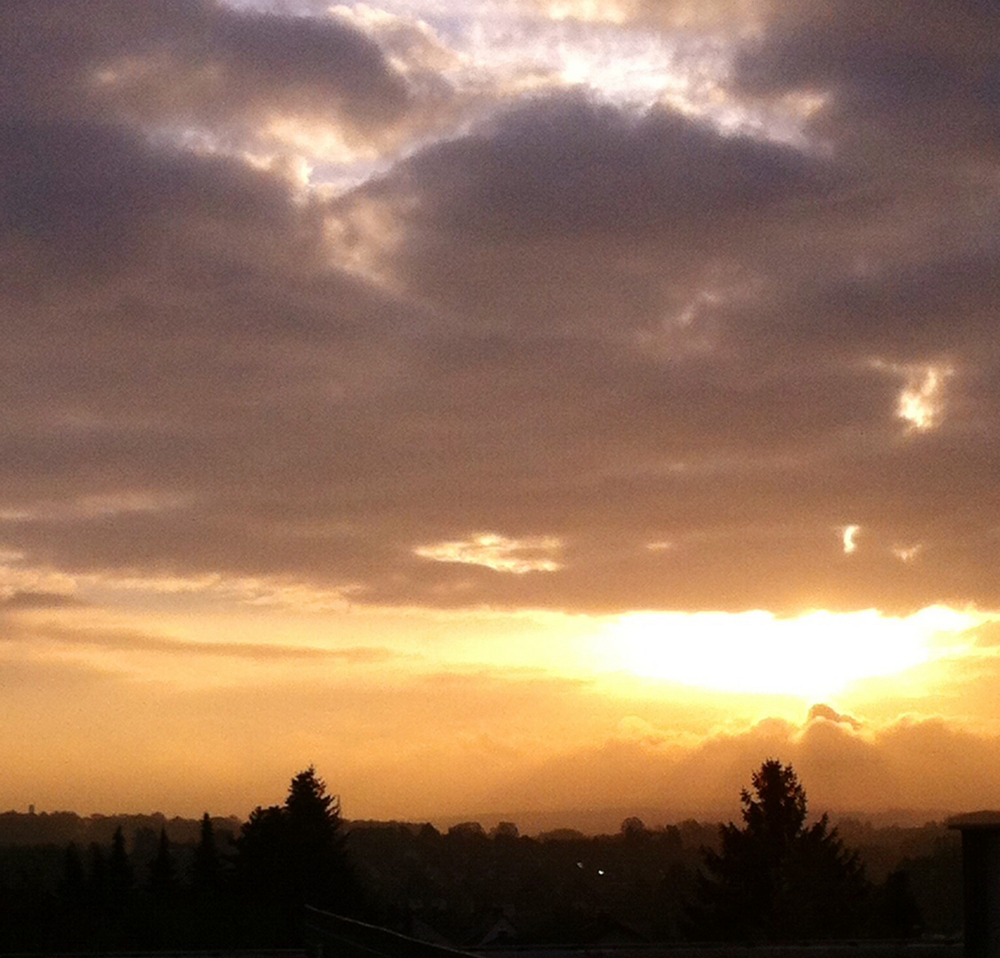 Sonnenaufgang über Vellmar...