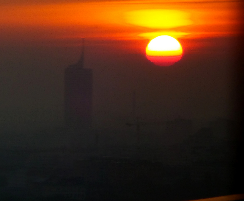 ***Sonnenaufgang über Wien am 8.4.2014***