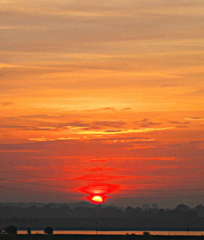 Sonnenaufgang überm Rhein