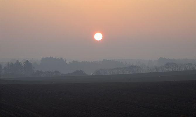 Sonnenaufgang und Nebel, Rostrup, Dänemark