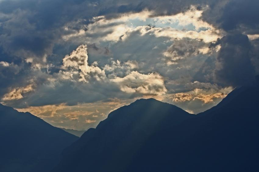 Sonnenaufgang vor dem Alpengasthof