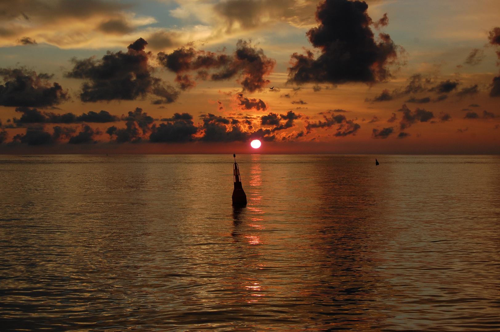 Sonnenaufgang vor Helgoland
