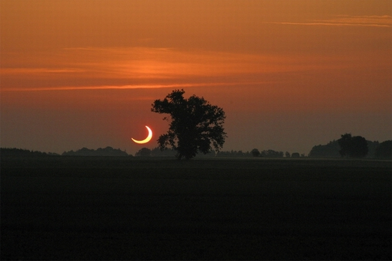 Sonnenaufgangsfinsternis