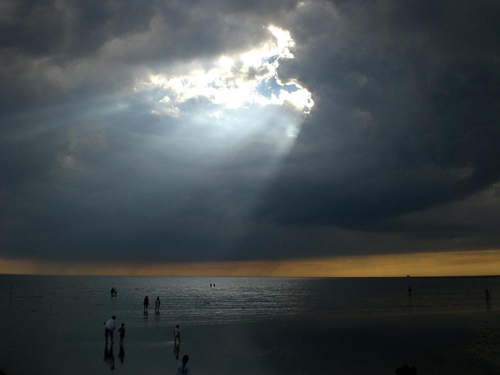 Sonnendurchbruch im Watt von Büsum