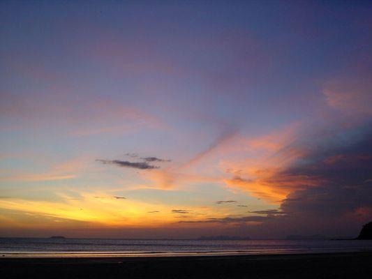 Sonnenfeuer auf Ko Lanta