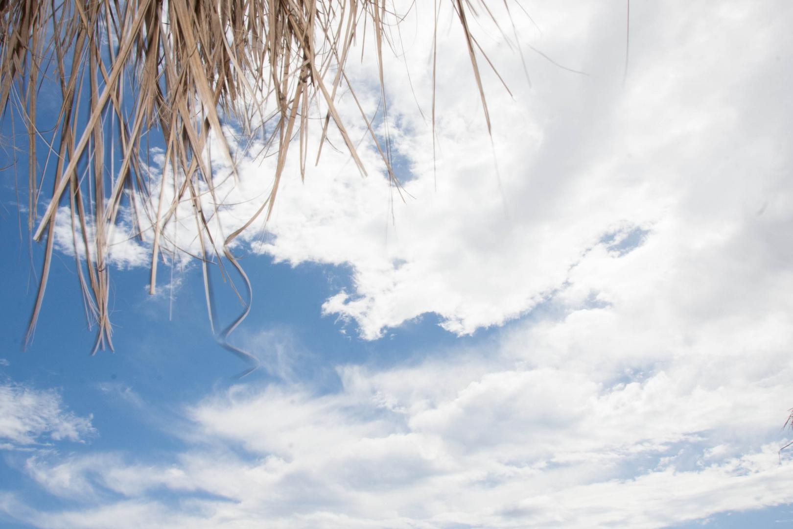 Sonnenschirm/Himmel
