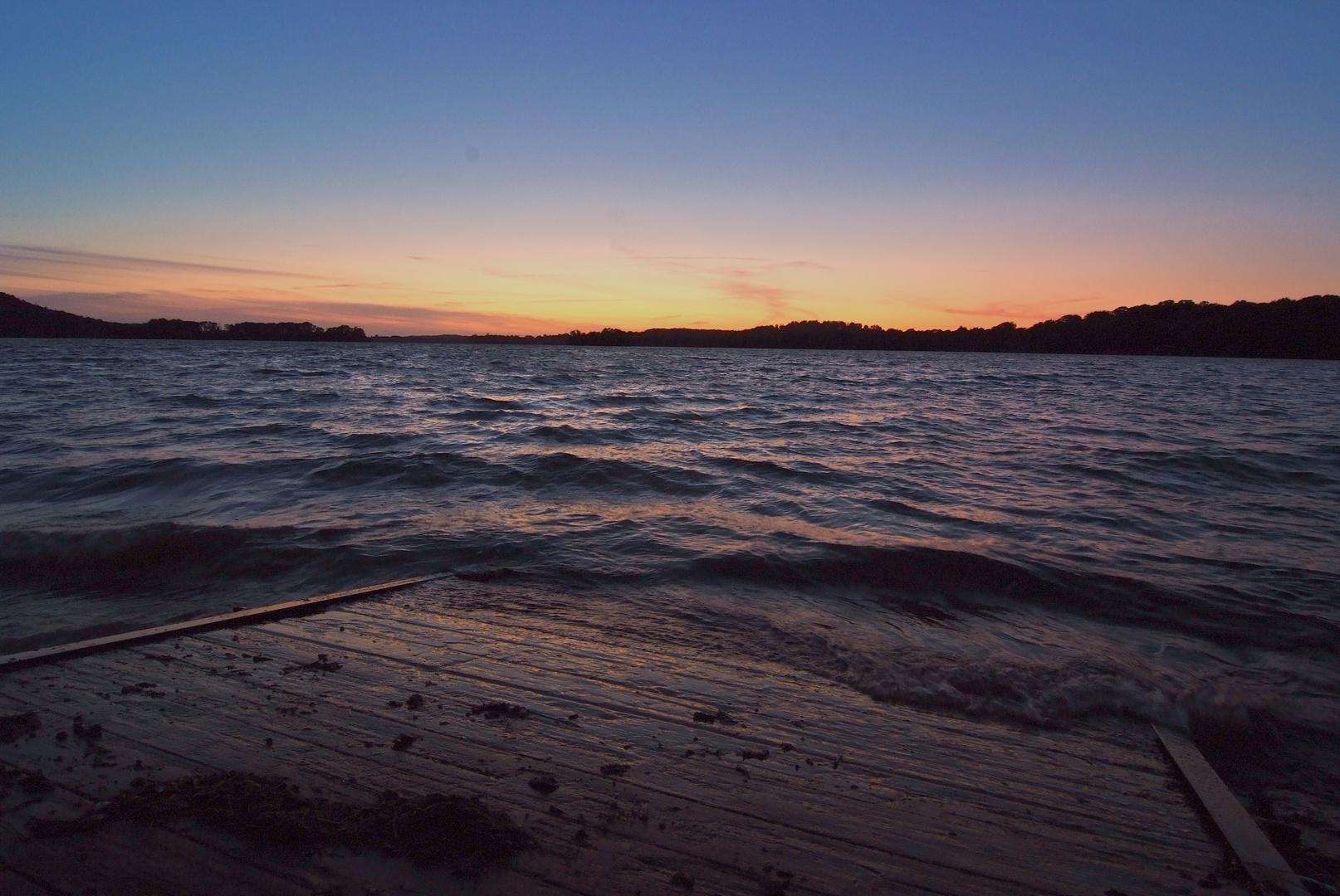 Sonnenunterang am See