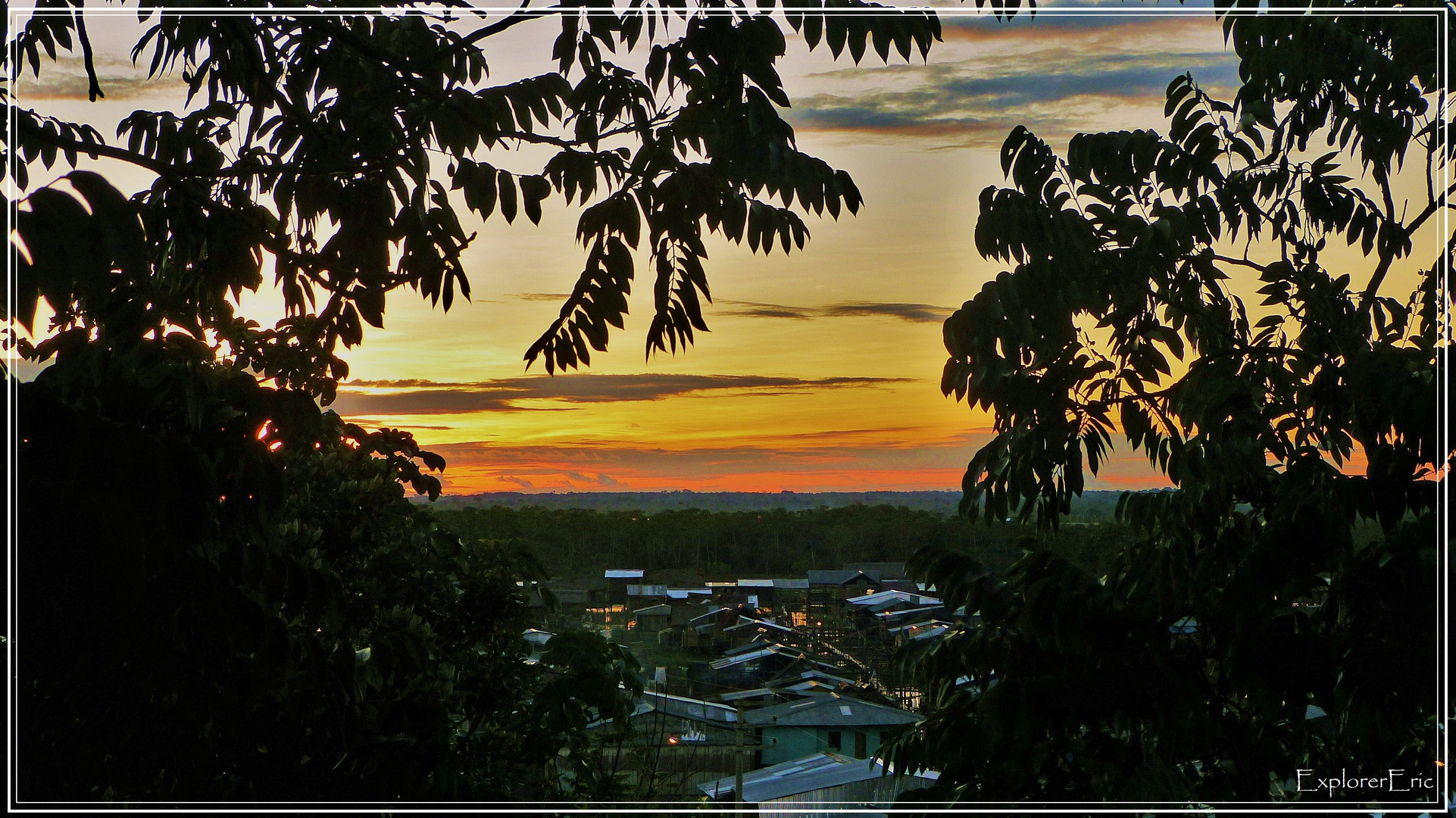 Sonnenuntergang am Amazonas....................