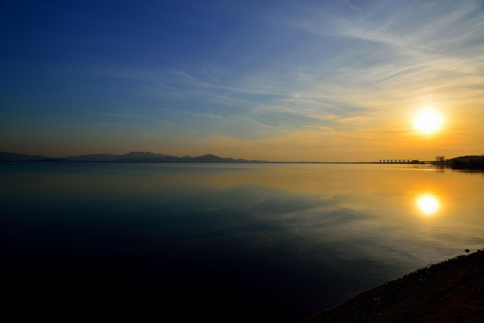 Sonnenuntergang am Asanho Lake