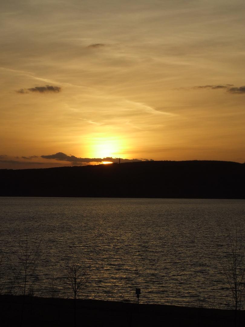 Sonnenuntergang am Berzdorfer See