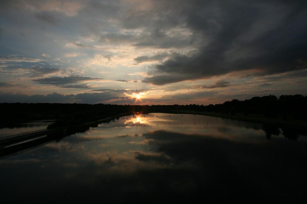 Sonnenuntergang am Fühlinger See