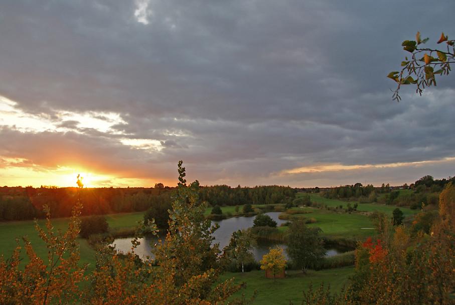 Sonnenuntergang am Golfplatz, 04.10.09 – 02