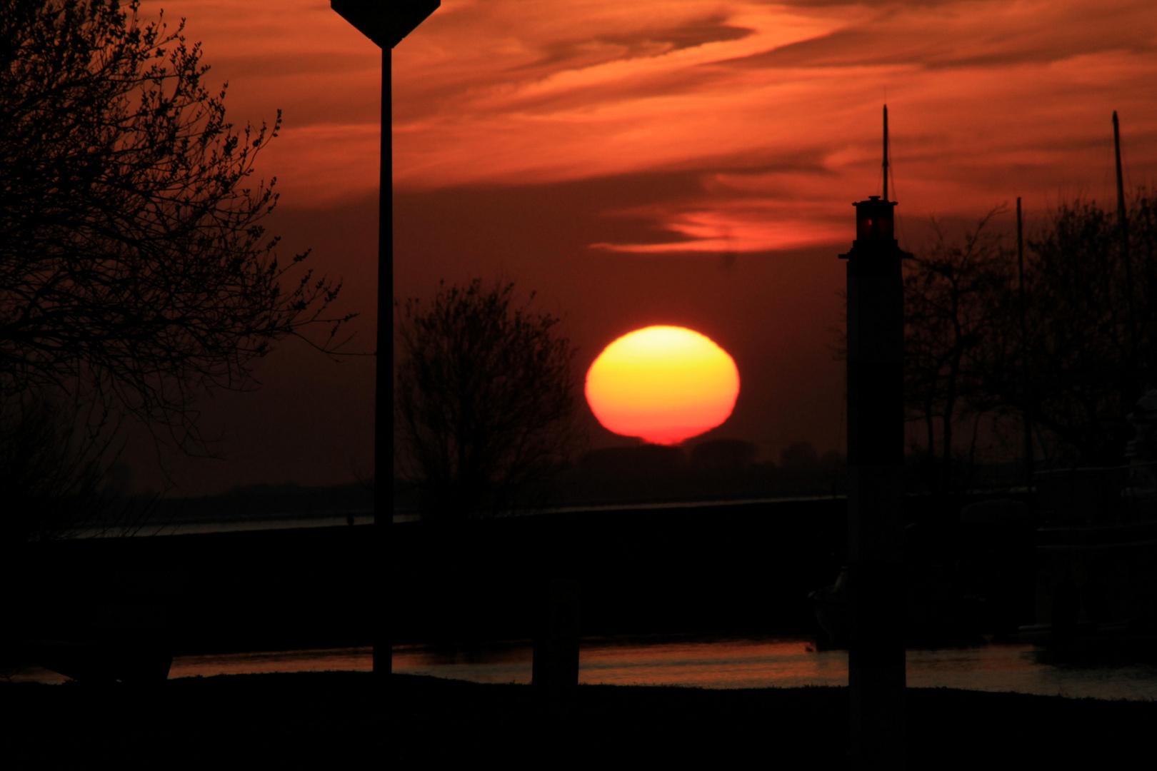Sonnenuntergang am Grewelinger Meer in Holland