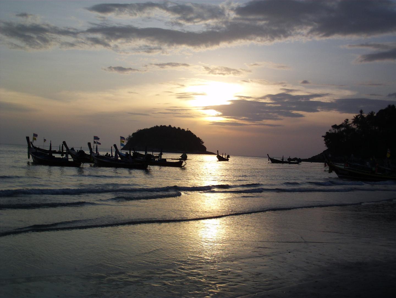 Sonnenuntergang am Kata Beach/Phuket-Thailand