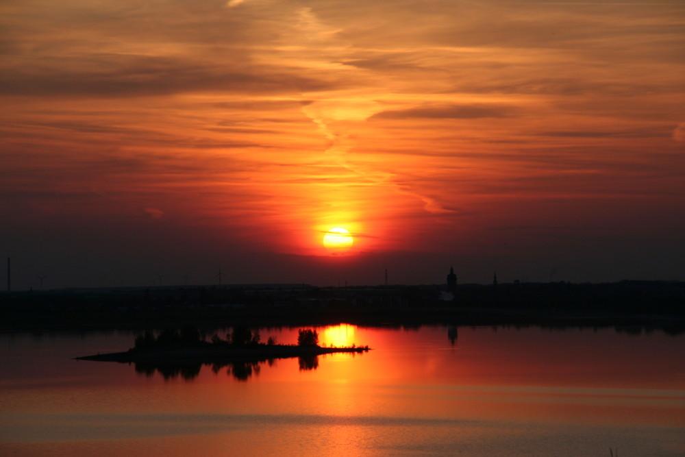 Sonnenuntergang am Markleeberger See
